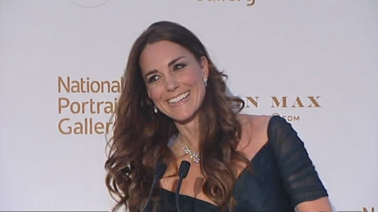 Kate stumbles on her lines: Duchess of Cambridge visits National Portrait Gallery
