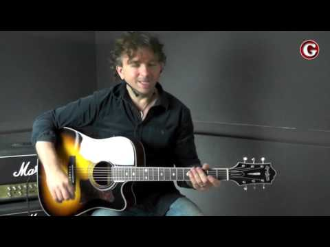 how to avoid muting the strings when you play chords  updated | online guitar lessons