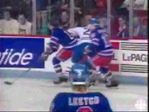 Guy Lafleur returns to the Montreal Forum (as NY Rangers in 1989)