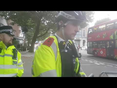 Camden police STOP a meaningful demonstration in London 30.09.2017