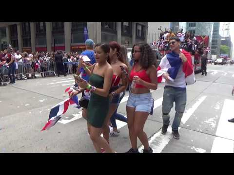 DOMINICAN DAY PARADE NEW YORK 2018 - DOMINICAN REPUBLIC GIRLS DANCE AT DOMINICAN DAY PARADE NYC