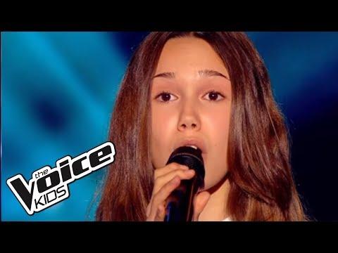 The Voice Kids 2015 | Laura - L'amour existe encore (Céline Dion) | Blind Audition