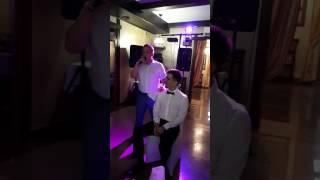 Любящий отец спел сыну песню на свадьбе! Тронуло до слёз! Плачут все!