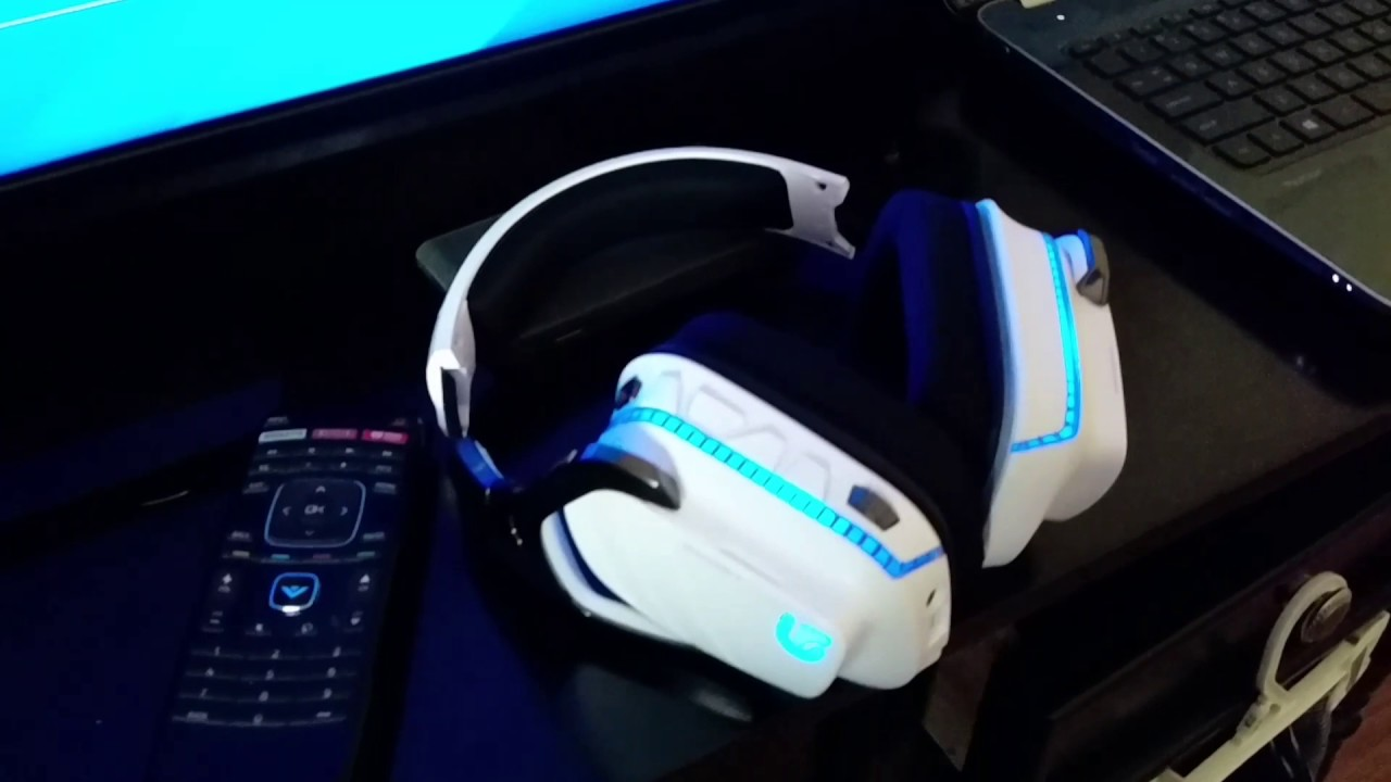 Logitech G933 wireless headset with 7 1 virtual sound