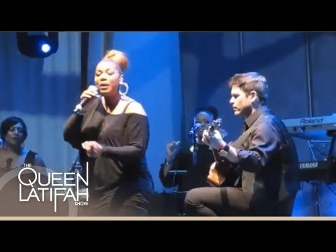 """Queen Latifah Performs """"True Love"""" Live At The Hollywood Bowl 2013"""