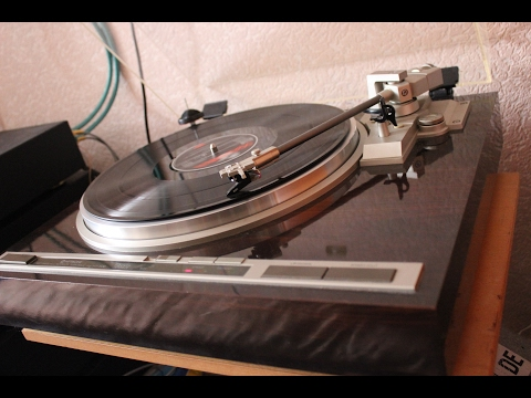 Hitachi HT-500 (Turntable) + Musical Fidelity A2 + MB Quart 980S