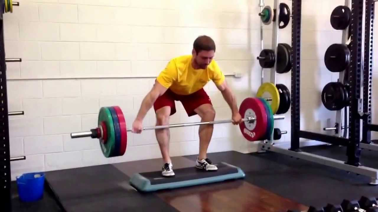 Snatch grip deadlift on podium - YouTube