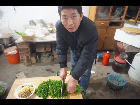 农村小伙让老爸做美食博主,竟然发现老爸惊人的一面