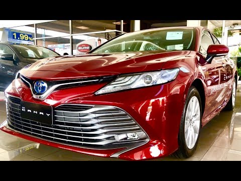 All new Toyota Camry  hybrid VS standart version