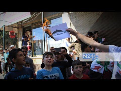 مظاهرات مناهضة لهيئة تحرير الشام في مدينة إدلب