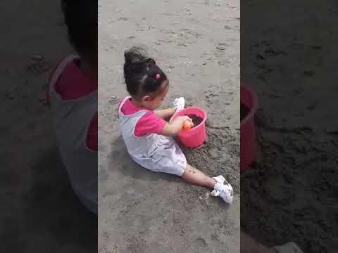 Jugando en la arena...Cerro Azul