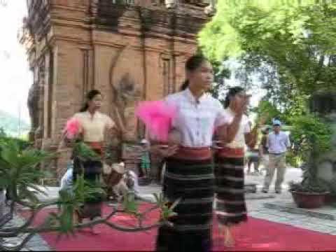 Múa Chăm tại tháp Bà ,Nha Trang
