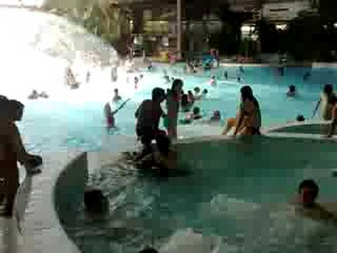 Aquatropic nimes youtube for Piscine aquatropic