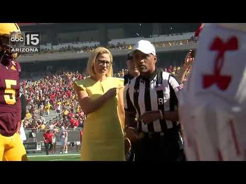Martha McSally sings anthem, Kyrsten Sinema does coin toss - ABC15 Sports