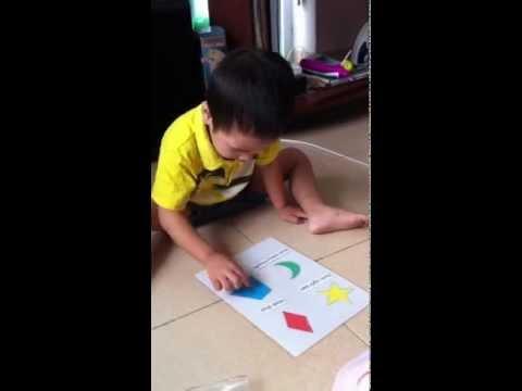 Giáo dục sớm tại nhà - Bé Tũn 18 tháng làm quen với hình