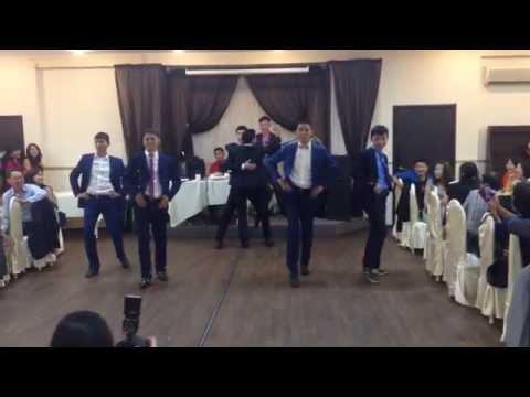 Танец жениха и его друзей 2 biliktooyunawed