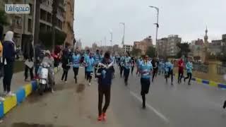 بالفيديو: ماراثون زايد الخير الذي اقيم بالاسماعيلية بمشاركة 15 الف شاب وفتاه من مختلف الاعمار