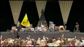 Super Furry Animals - Slow Life (Glastonbury 2007)