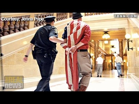 """100 Arrests At Wisconsin State Capital """"Sing Along"""" Over Past Two Weeks"""