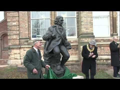 Erasmus Darwin statue unveiled in Lichfield