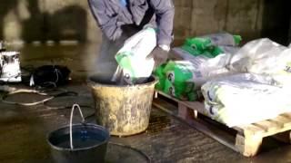 Нанесение материала ЛАХТА® проникающая гидроизоляция механическим способом(, 2016-01-12T09:13:52.000Z)