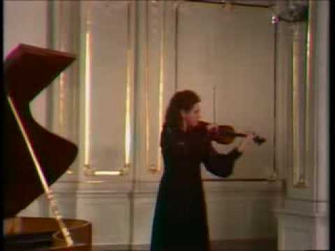Jela Spitkova - Paganini   Campanella