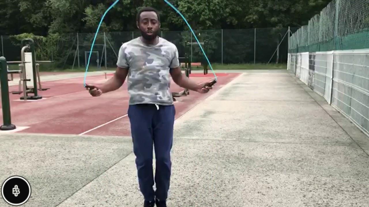 Comment faire de la corde à sauter comme un boxeur ? - YouTube