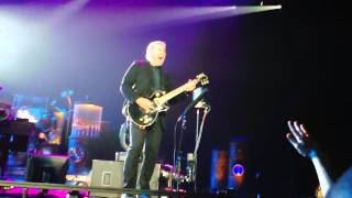 RUSH - YYZ - Canadian Crowd Sings Wrong Lyric??  Alex Lifeson tries to set them straight!!