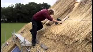 Натуральная кровля камышовая крыша укладка