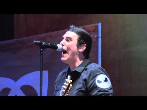 Breaking Benjamin Blow Me Away - live Rock USA 07 / 17 / 2015 Oshkosh Wisconsin
