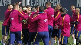 FUNNY - Spectacular 'rondo' in FC Barcelona training session