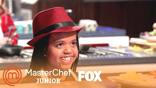 Ivy Lets Aarón Taste Her Breakfast Dish | Season 7 Ep. 1 | MASTERCHEF JUNIOR