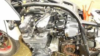 Redémarrage d'un GPZ 750 ZX après 22 ans d'arrêt