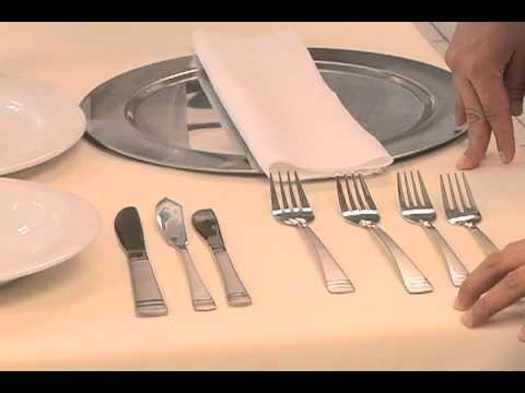 C mo usar los cubiertos correctamente doovi - Protocolo cubiertos mesa ...