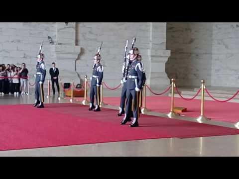 2017 4 18 中正紀念堂-陸軍儀隊交接