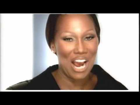Yolanda Adams - Never Give Up {Video}