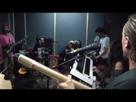 Alerta Kamarada ft Lee 'Scratch' Perry - Soul Fire (Rehearsal   Bogota, Col)