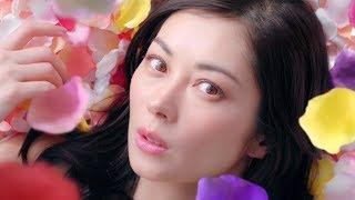 女優の伊東美咲が新イメージキャラクターを務めるアサヒグループ食品の...