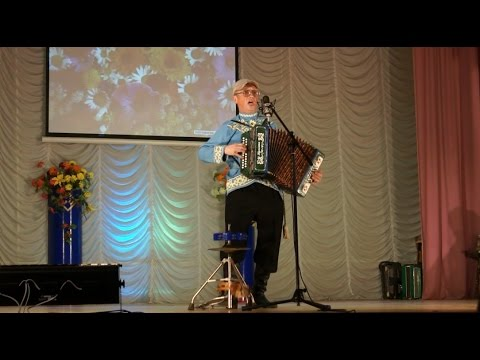 Играет и поёт Николай Краснов