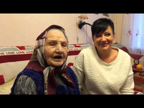 Алена Полевая, наша 103 летняя бабушка читает стихи