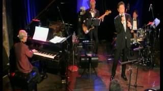 俳優、寺泉憲さんが、還暦からライブハウスで歌い始めて10年! ジャズピ...