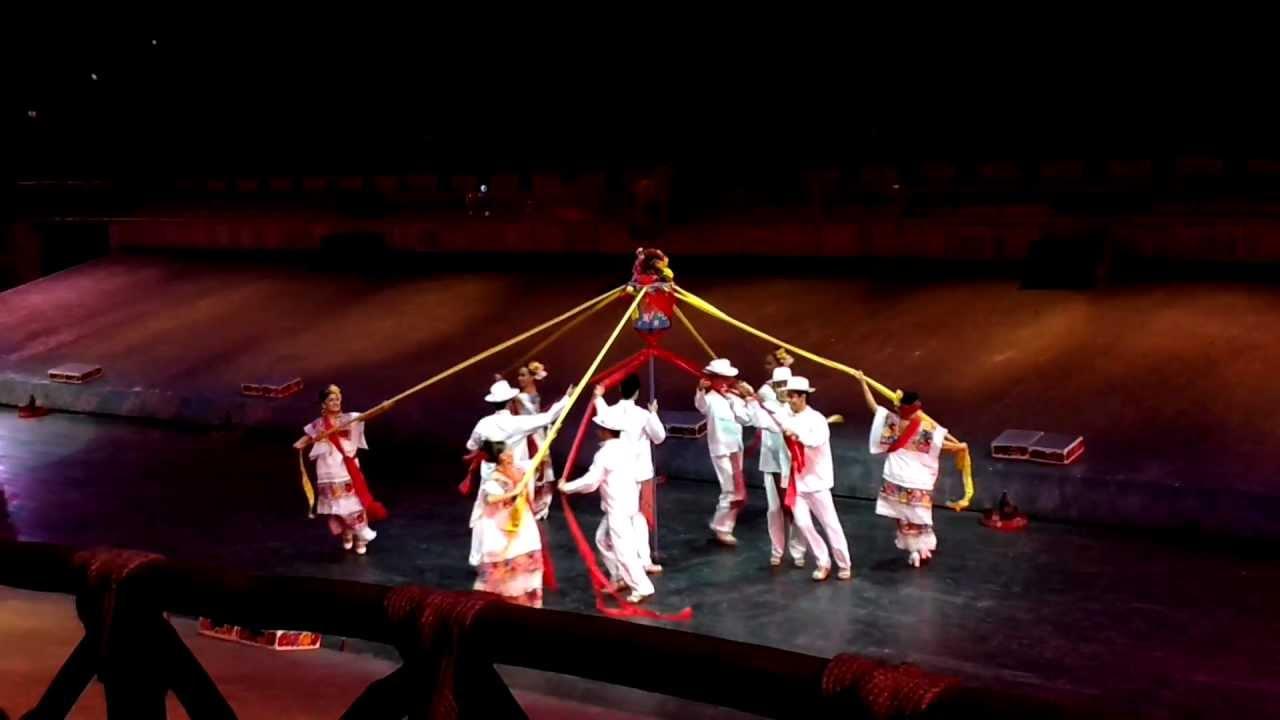 78863b8579 Xcaret México Espectacular Bailes Típicos de México