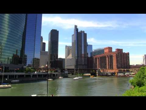 CHICAGO'S BRIDGES LET THE SAILBOATS THROUGH THE CHICAGO RIVER