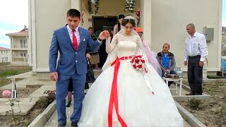 Как молодожены ВСТРЕТИЛИ друг друга на свадьбе! Очень красиво ♥️ Смотреть до конца!