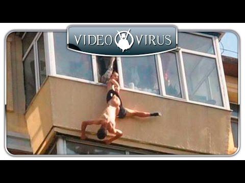 Мужик в трусах, повис на балконе Минска.  Что случилось?