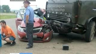 В Балахте в автоаварии погибла супружеская пара(, 2016-07-08T05:24:23.000Z)