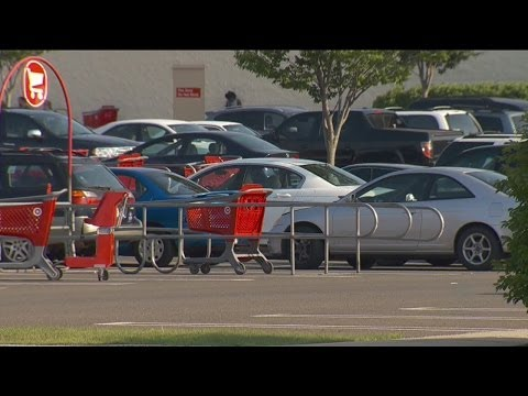 Mom leaves toddler, infant in hot car while at Target