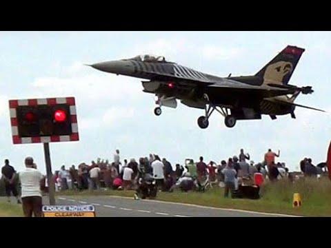 F 16 Pilot Tulumu Turkish F-16 Pilot Gives Plane Watchers A Buzz. - YouTube