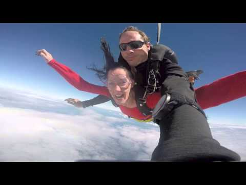 Robert Osborn & Jamie Gordon at Coastal Skydive