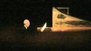 Bach JS Suite en mi mineur pour luth BWV 996 par Gustav Leonhardt, 12.12.2011.avi